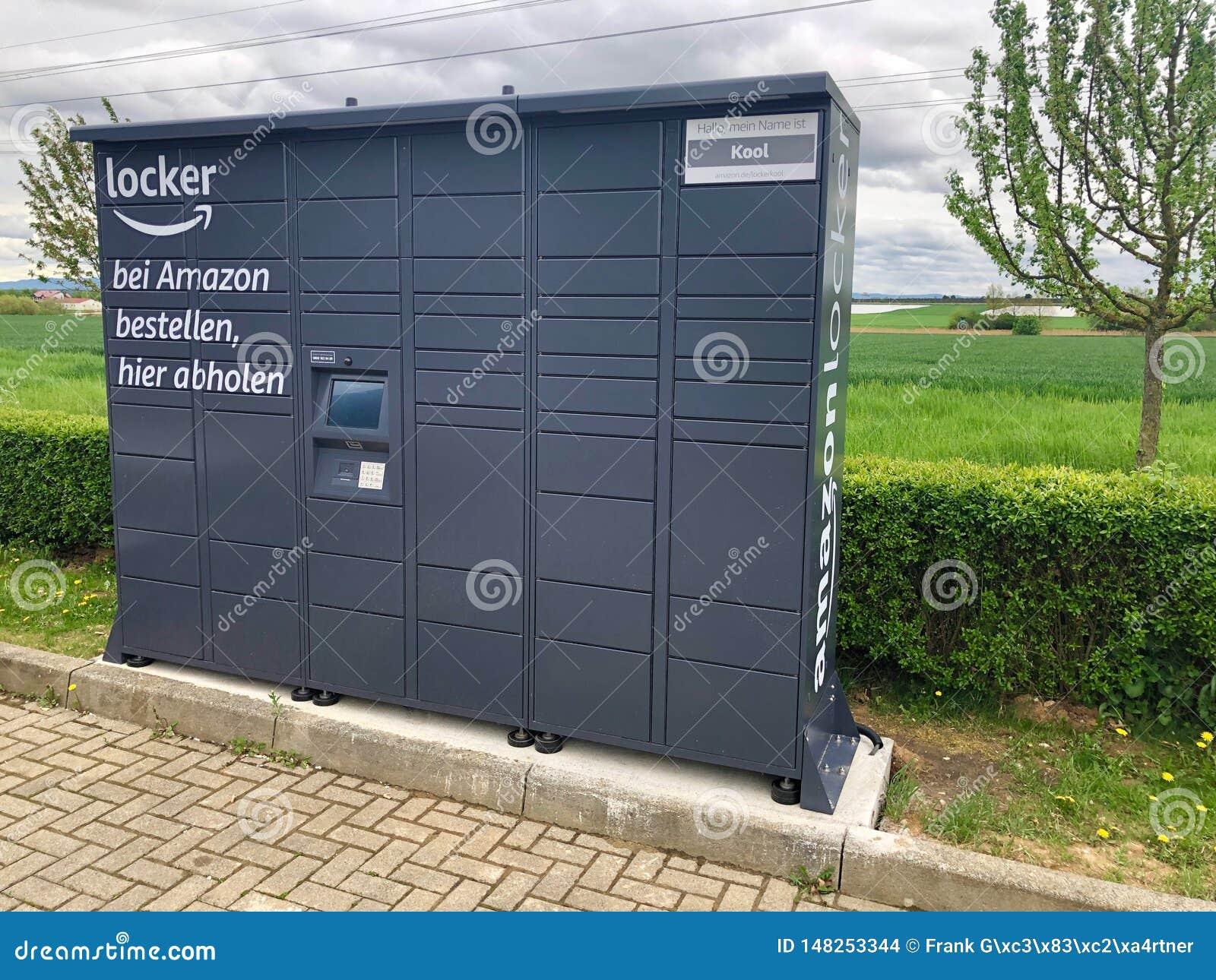 Cacifo das Amazonas situado em um posto de gasolina em Ostfildern, Alemanha