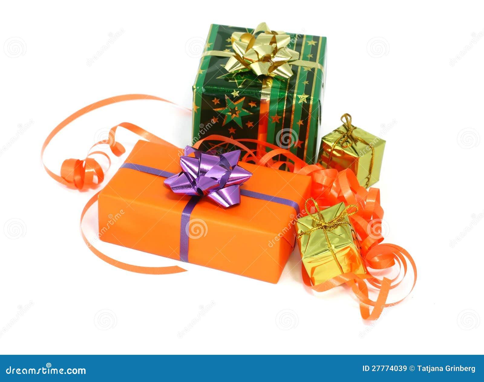 Cadeaux de Noël d isolement sur le blanc