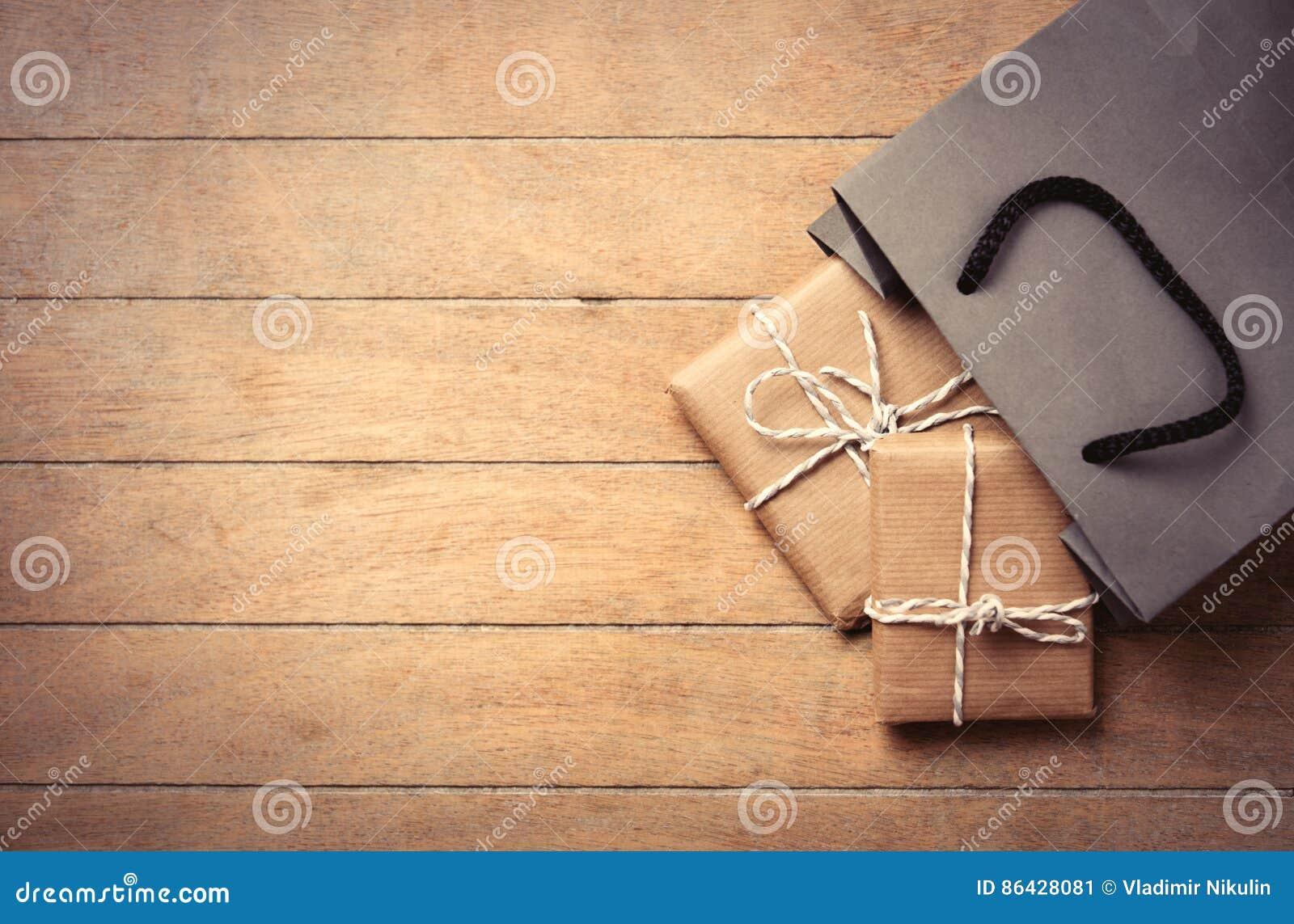 Cadeaux et sac