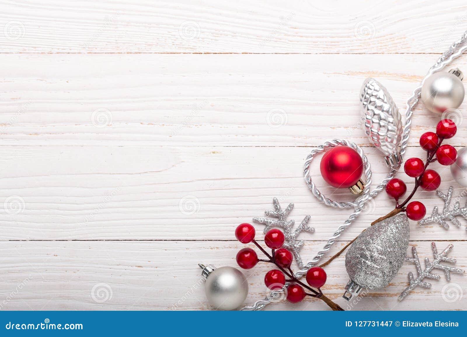 Blanc Cadeaux Sur Rouges Bois Fond En Noël Argentés De Le xBdhQrCts