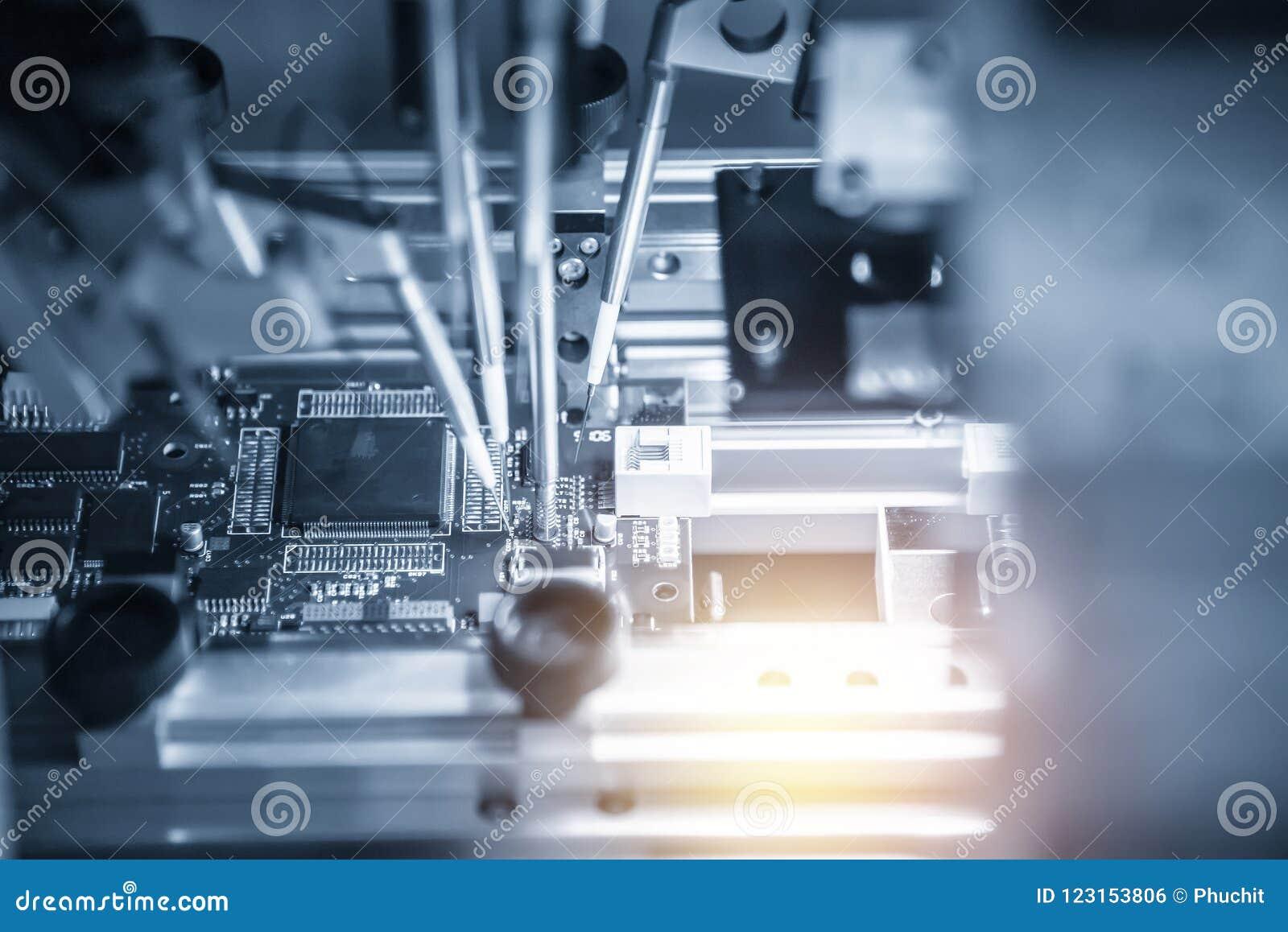 A cadeia de fabricação da placa eletrônica com microchip