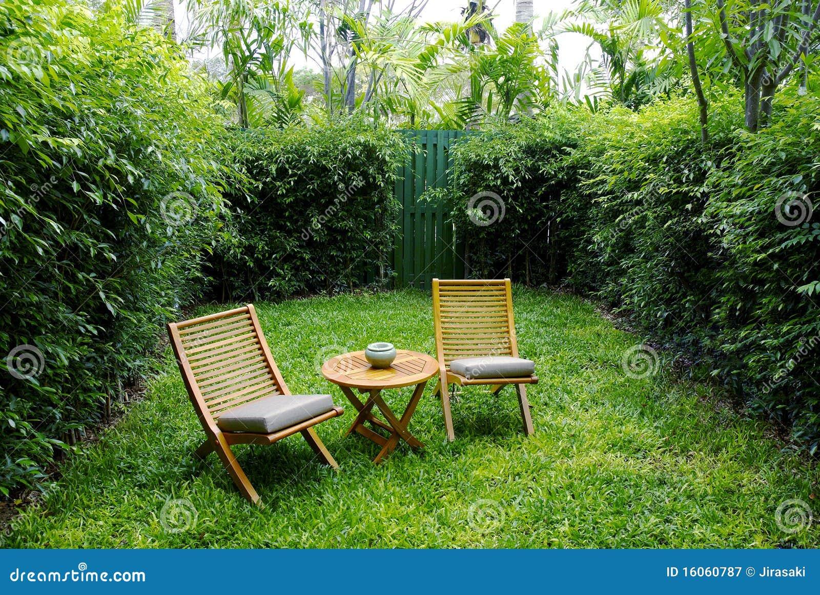De Jardim No Quintal Fotografia de Stock Royalty Free  Imagem
