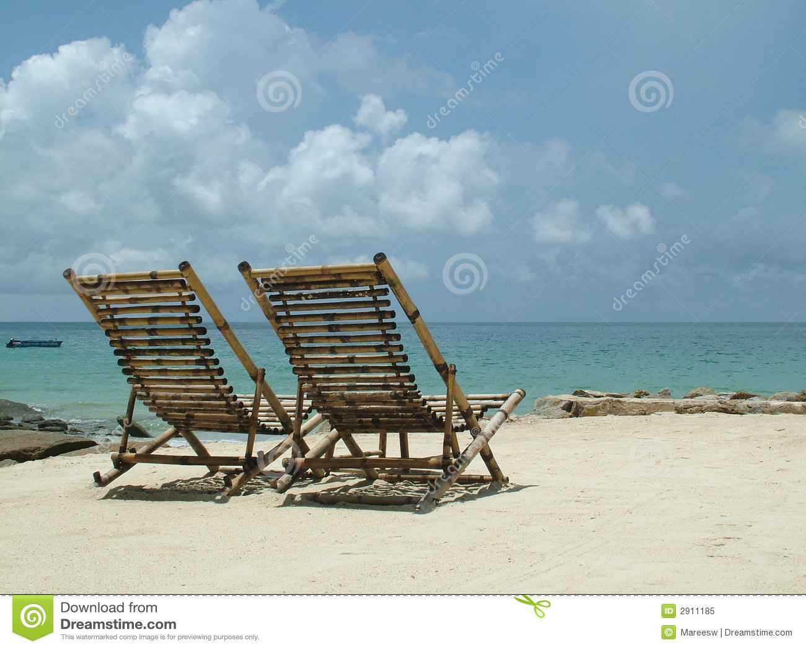 Cadeiras De Praia De Madeira Foto de Stock Royalty Free Imagem  #60492C 1300x1065