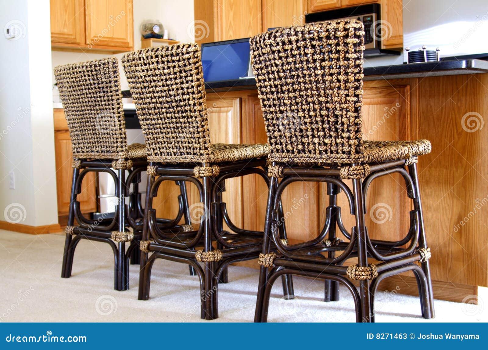 Cadeiras Em Uma Cozinha Moderna Imagem De Stock Imagem De Formal