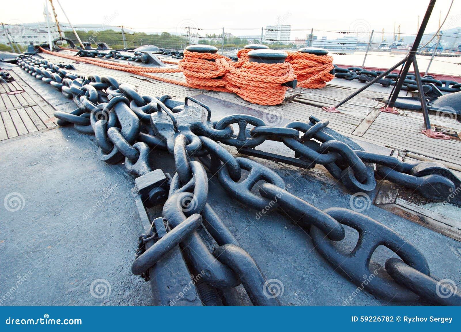 Download Cadena De Ancla En Cubierta De La Nave Foto de archivo - Imagen de asegurar, torno: 59226782