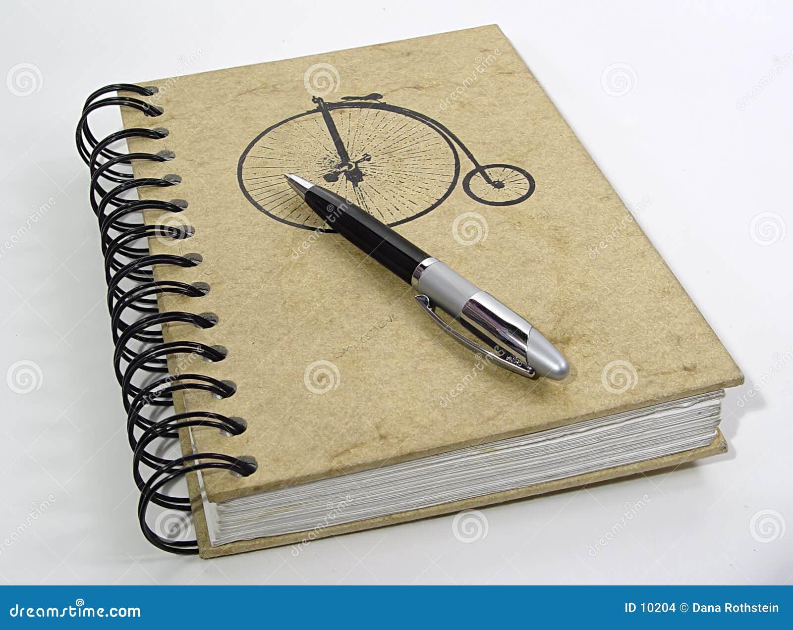 Caderno e pena