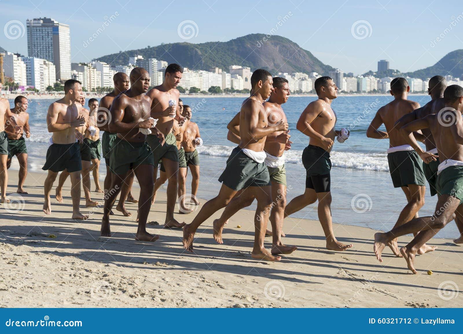 Cadete militares brasileiros que correm Rio Brazil