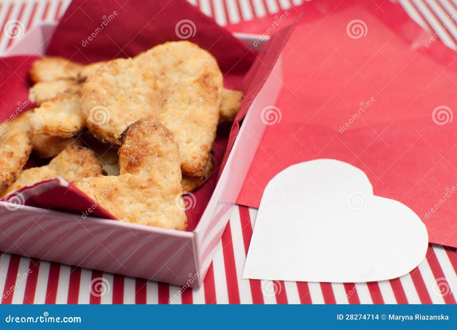 cadre de biscuits pour le saint valentin photo stock image du amour coeur 28274714. Black Bedroom Furniture Sets. Home Design Ideas