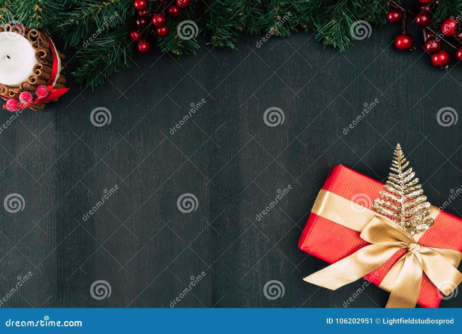 Cadre de cadeau avec la bande d or