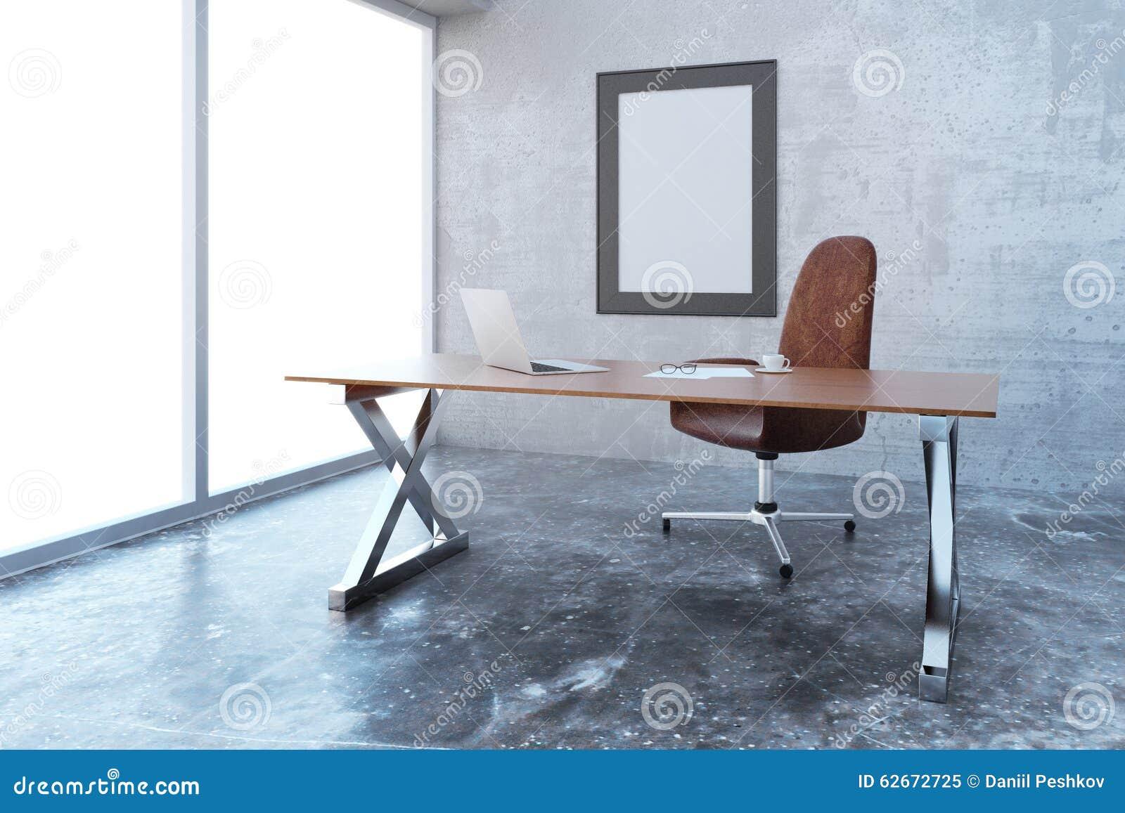 Cadre de tableau vide dans le bureau moderne de style de grenier