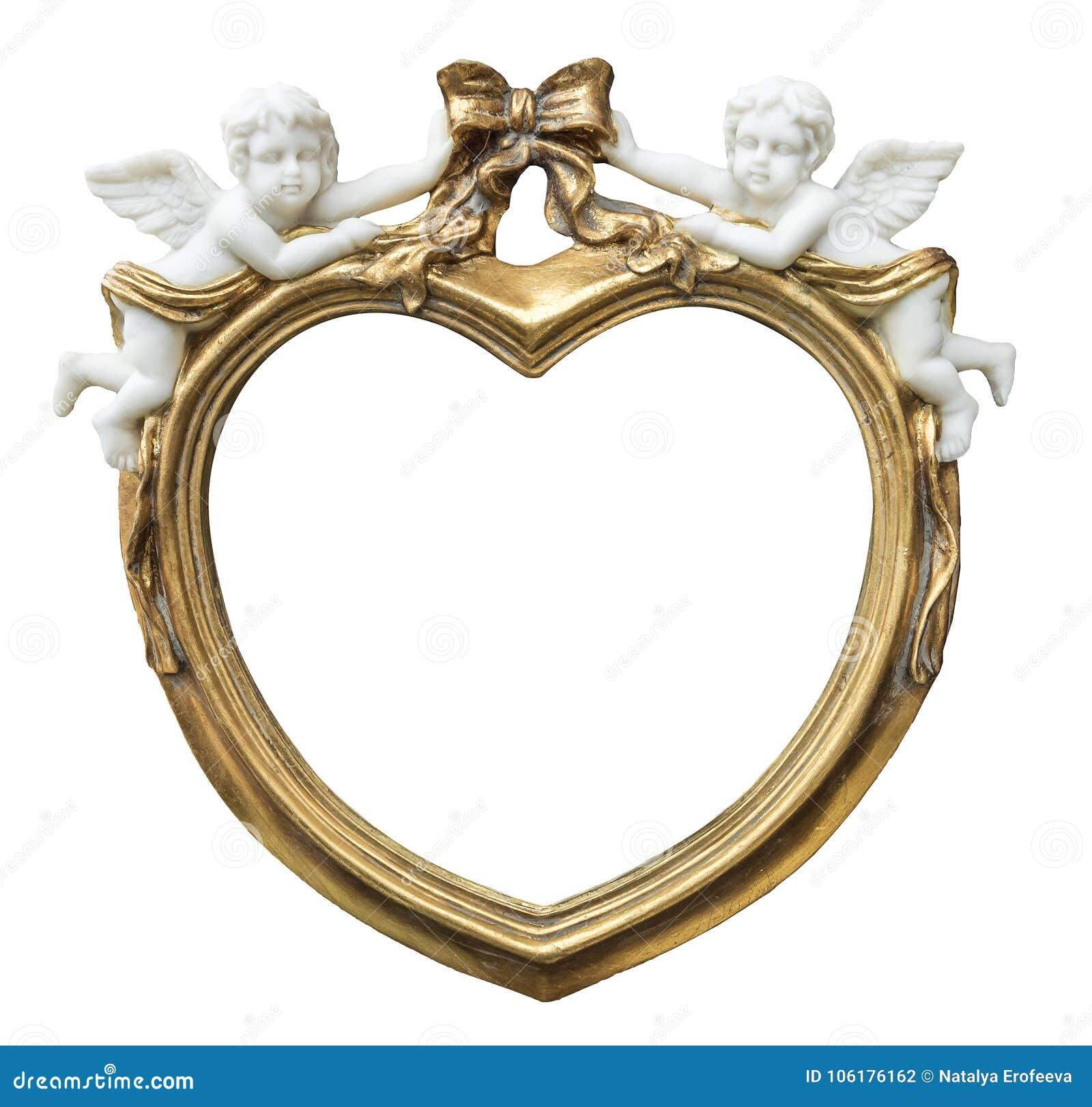 Cadre doré baroque de fhoto sous la forme de coeur avec des cupidons sur le fond d isolement