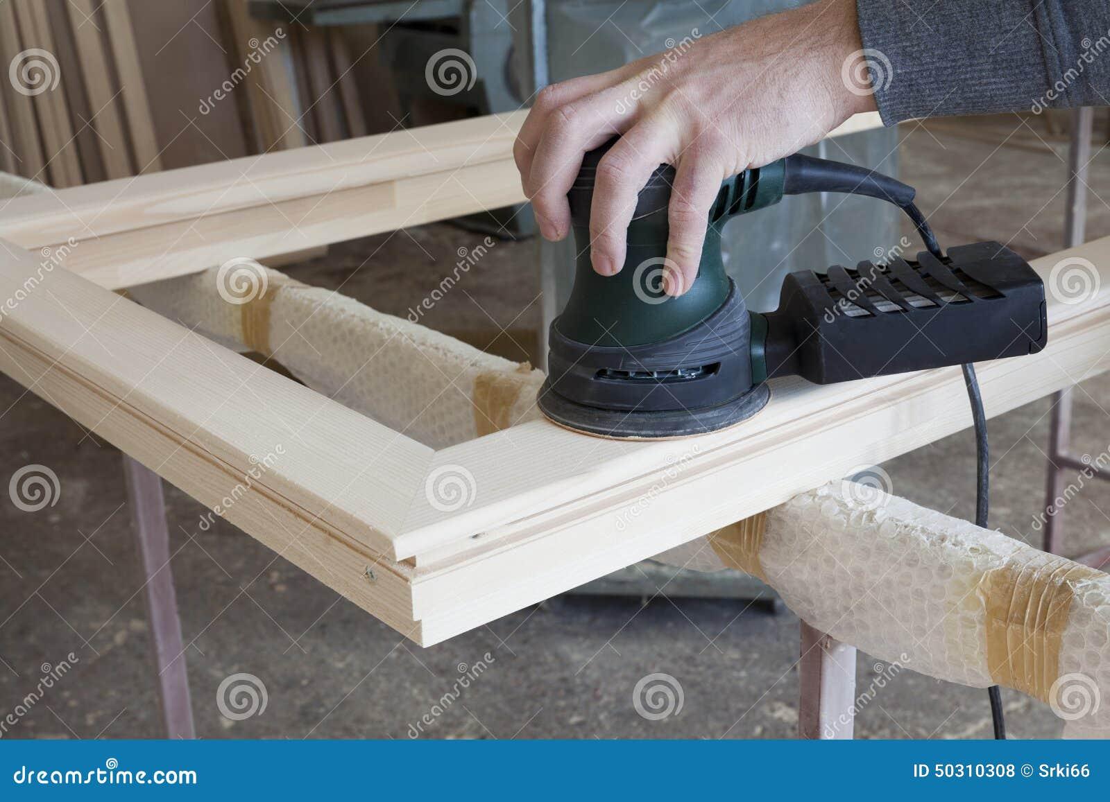 cadre en bois poli avec des outils de bricolage photo stock image 50310308. Black Bedroom Furniture Sets. Home Design Ideas
