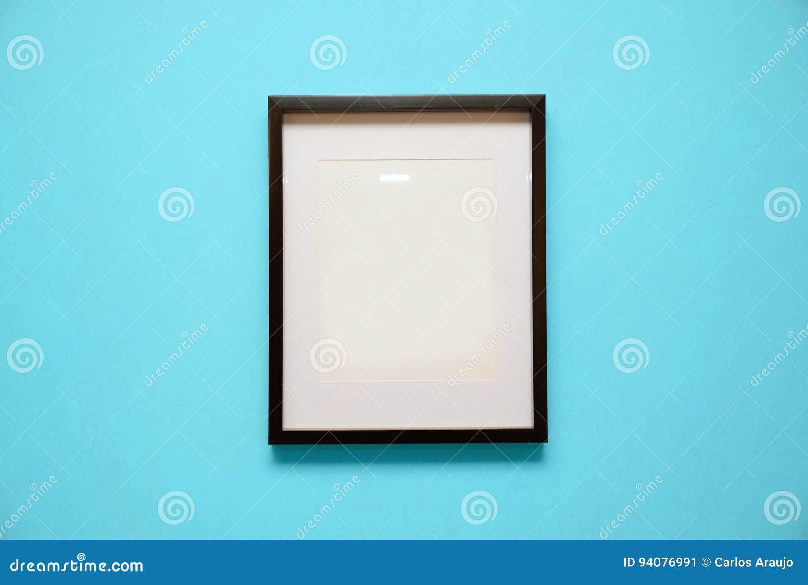 design cadre mur bleu cuisine design et d coration photos. Black Bedroom Furniture Sets. Home Design Ideas