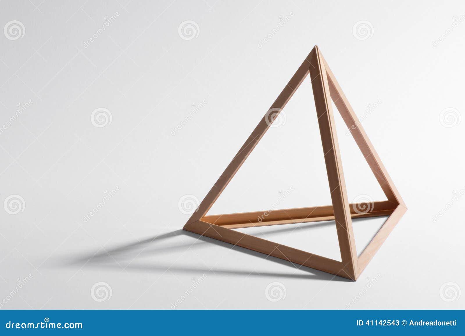 cadre triangulaire en bois image stock image du triangle 41142543. Black Bedroom Furniture Sets. Home Design Ideas