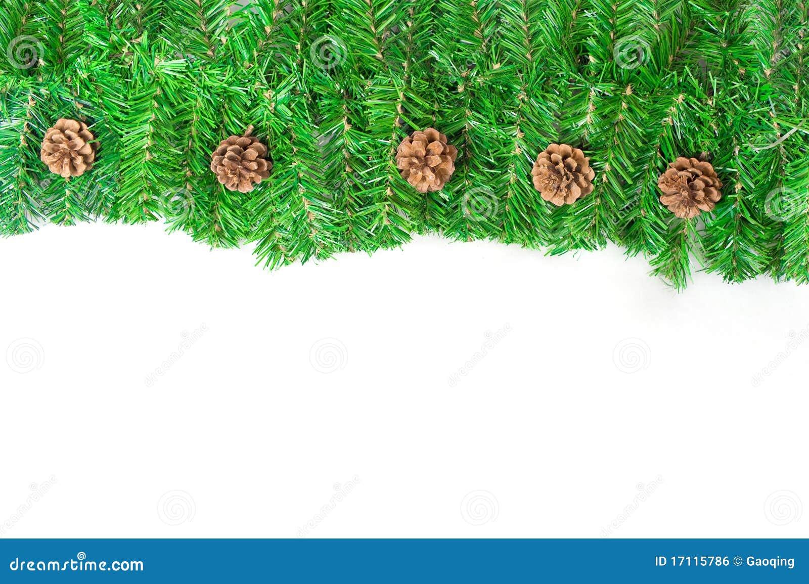 Cadre vert de Noël avec des pointeaux de pin