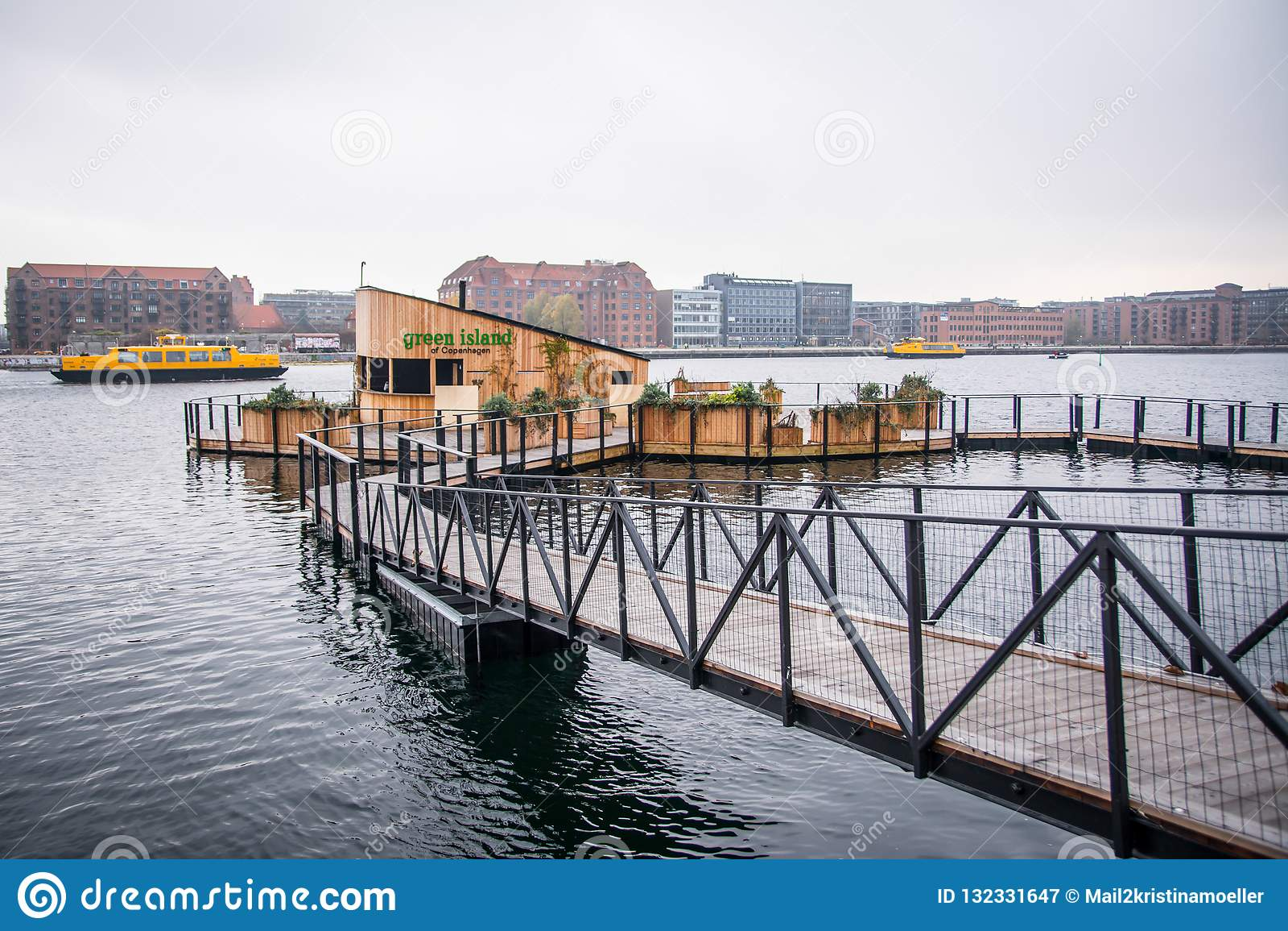 Café na água Abaixo da cidade Copenhaga, Dinamarca