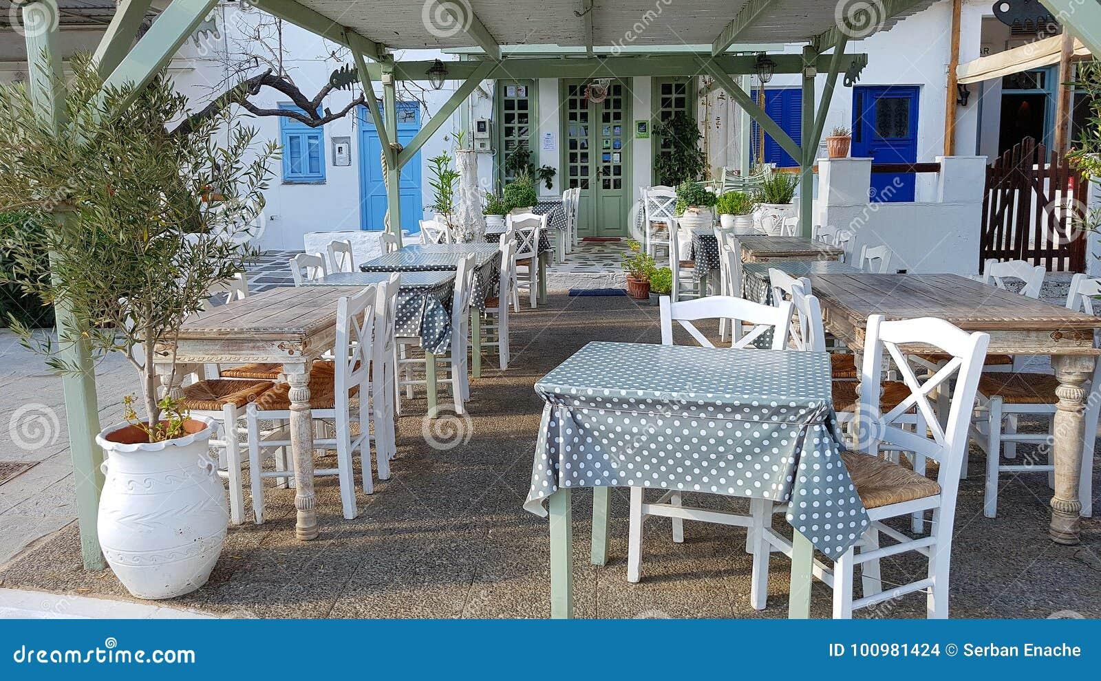 Café ao ar livre em Greece