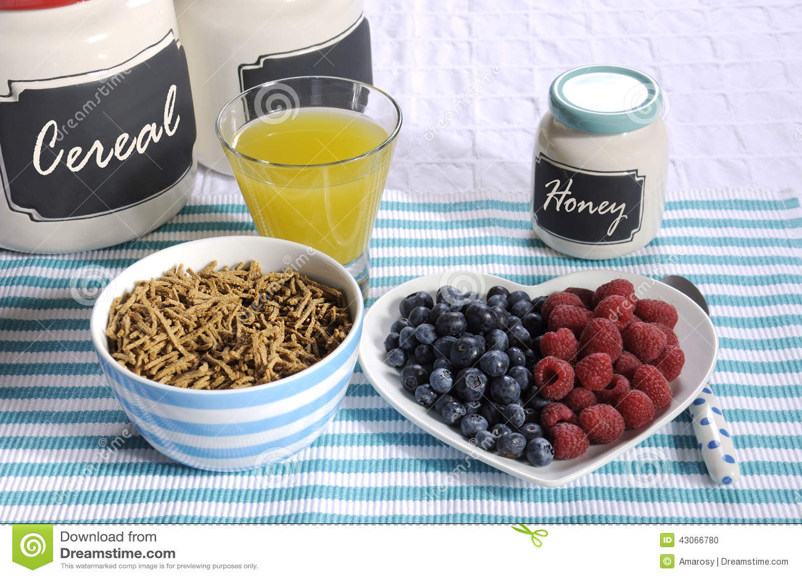 Café da manhã dietético alto da fibra da dieta saudável