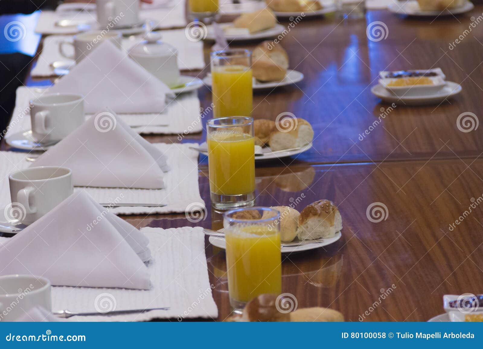 Café da manhã executivo