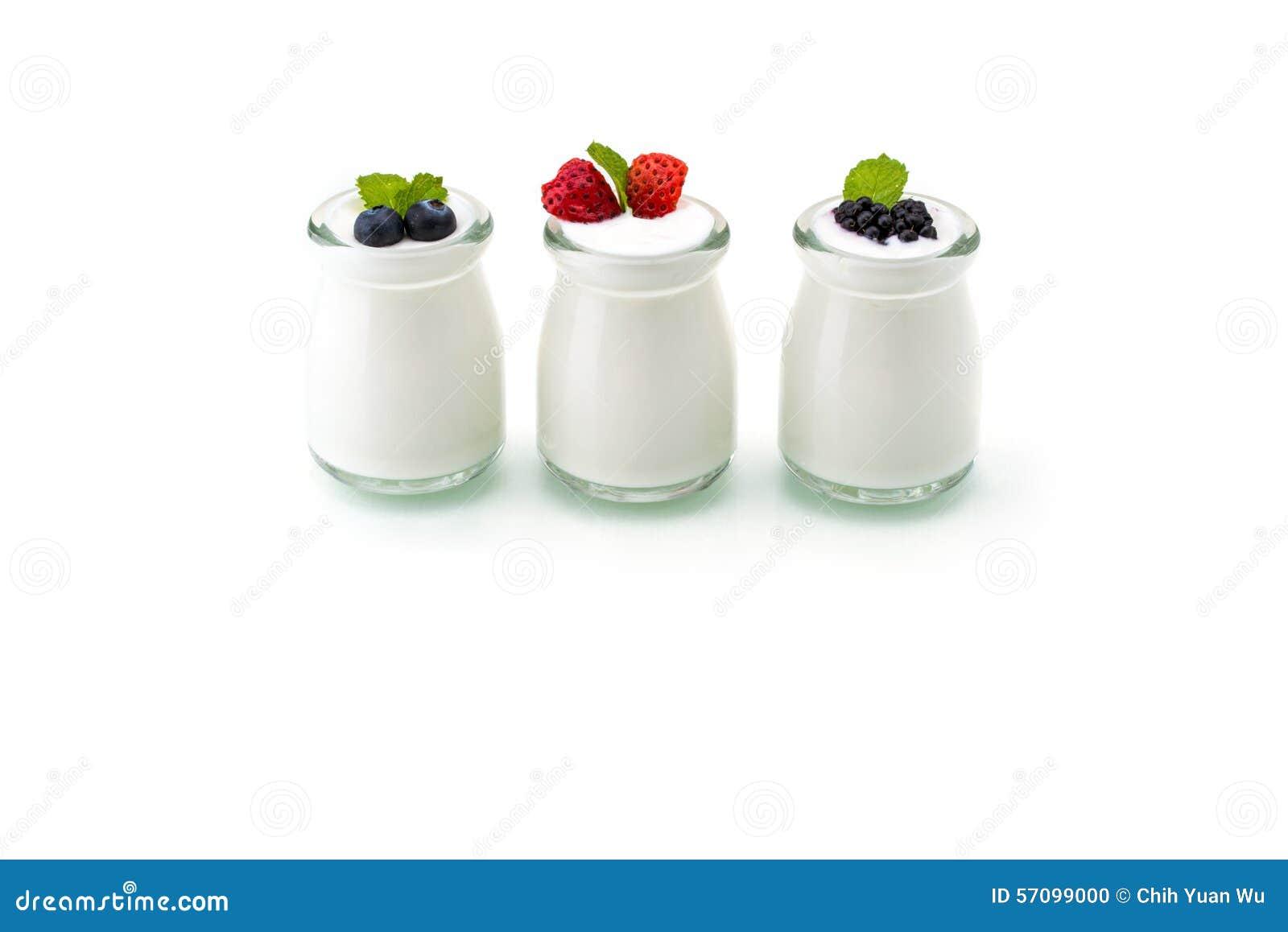 Café da manhã saudável com o iogurte e a baga, fazendo dieta, frescor, minuto