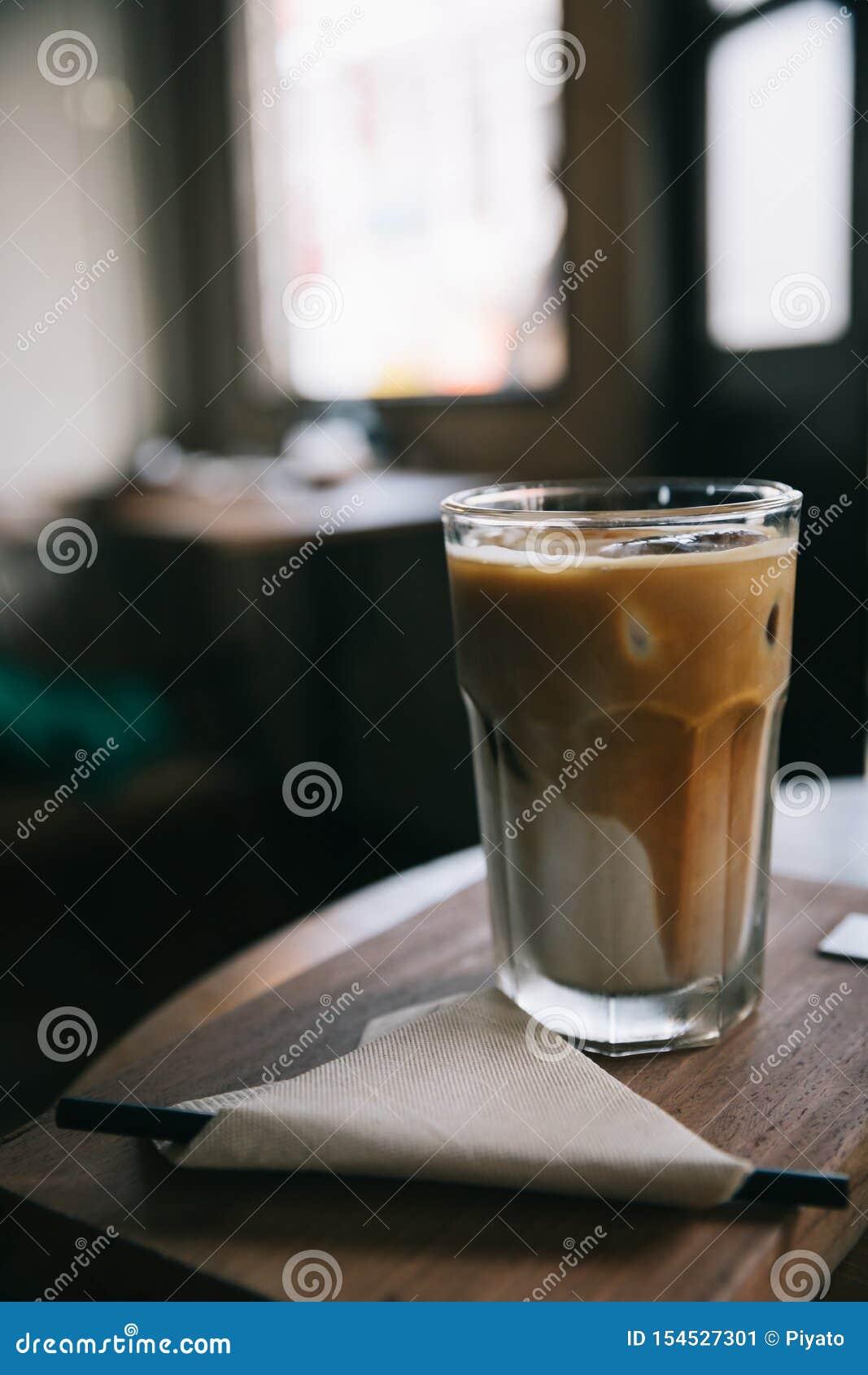 Café de glace de cappuccino ou de Latte