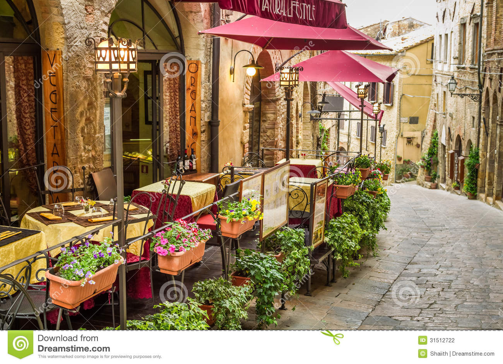 Café do vintage no canto da cidade velha