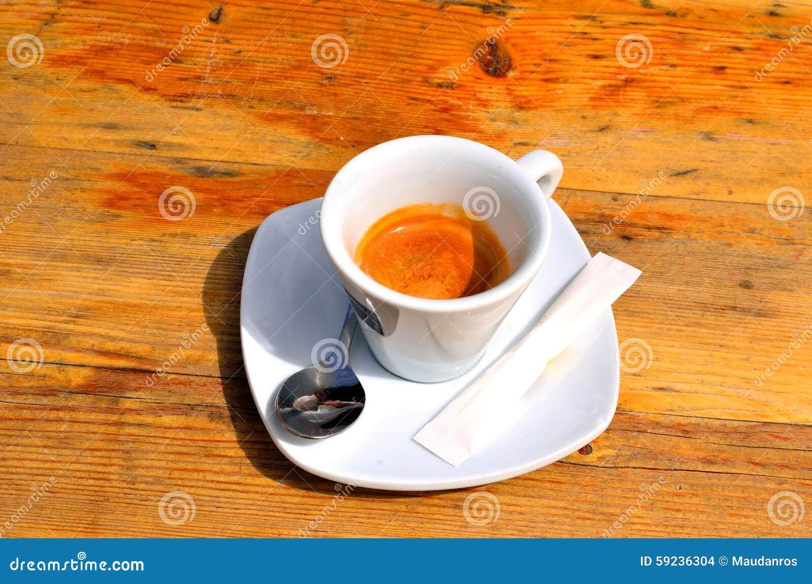 Café express italiano encendido
