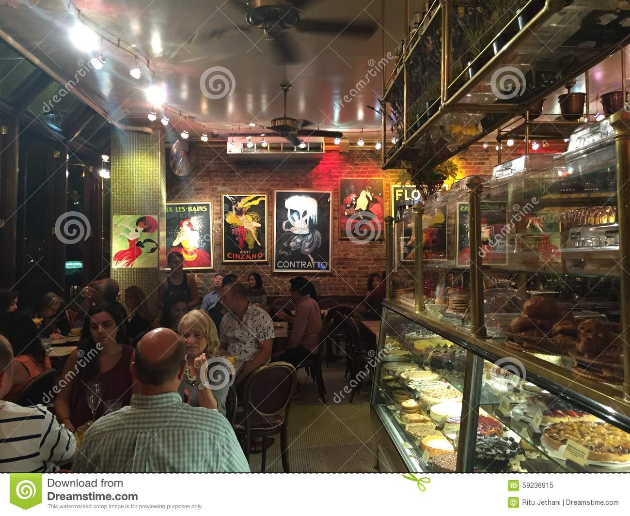 Download Café Lalo en New York City imagen editorial. Imagen de torta - 59236915