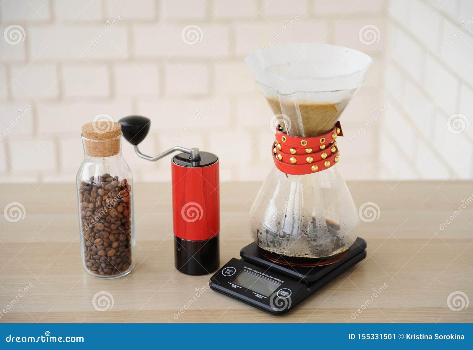 Café manuel alternatif de brassage de main Filtre en lots d égouttement Rectifieuse de caf? rouge ?chelle ?lectronique