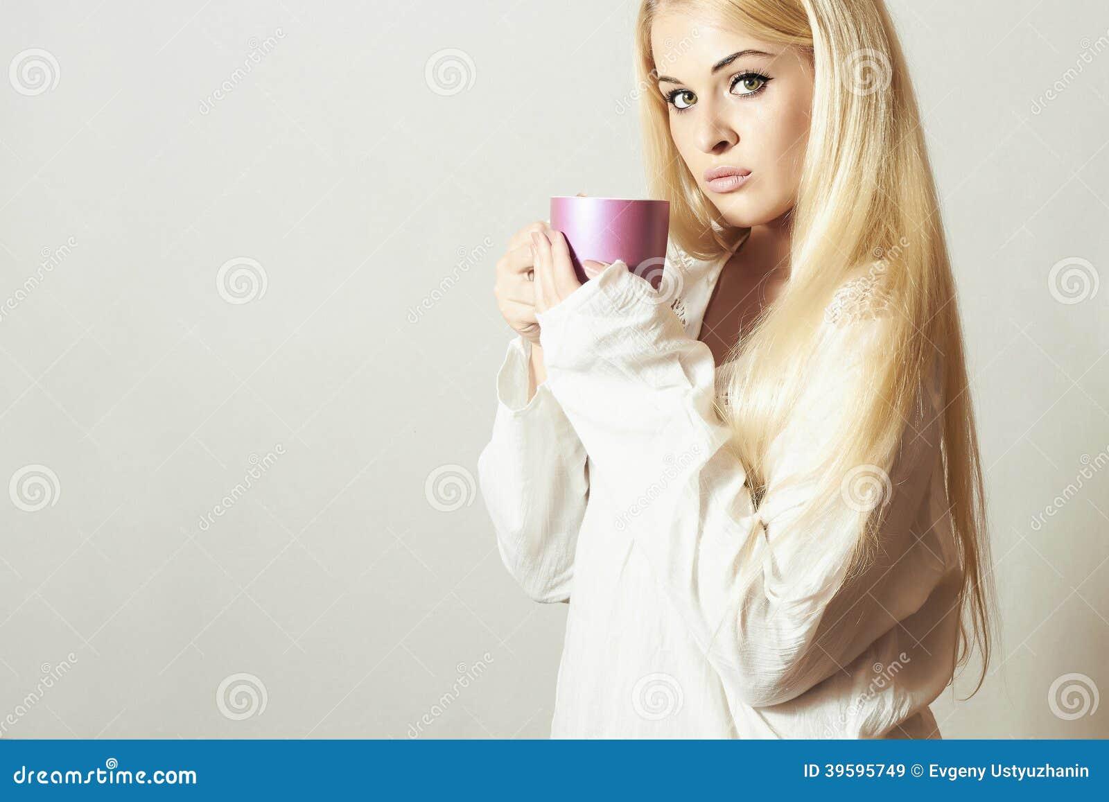 femmes nues à la maison brune tres salope
