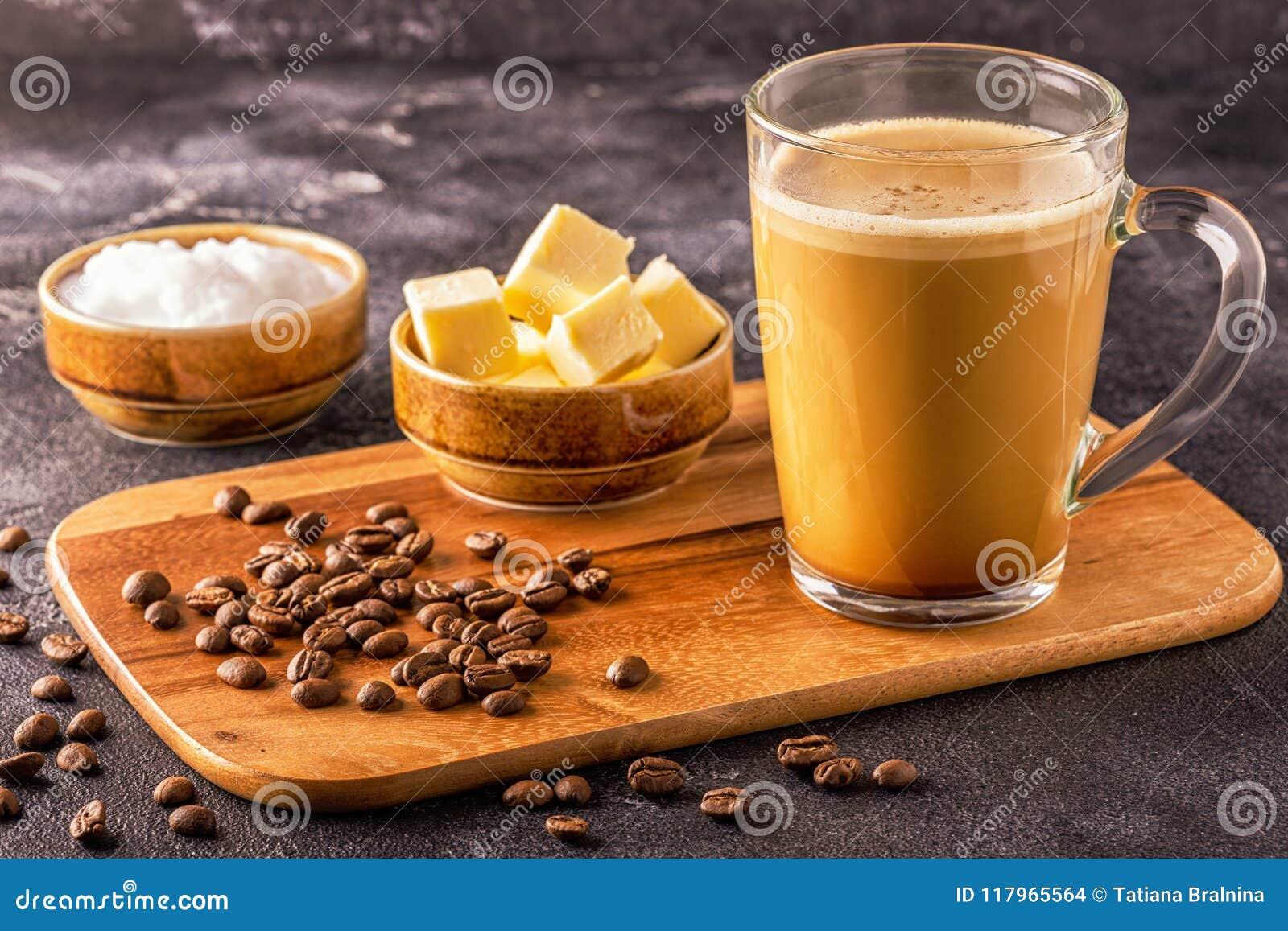 Café a prueba de balas, mezclado con mantequilla orgánica y el coco de MCT