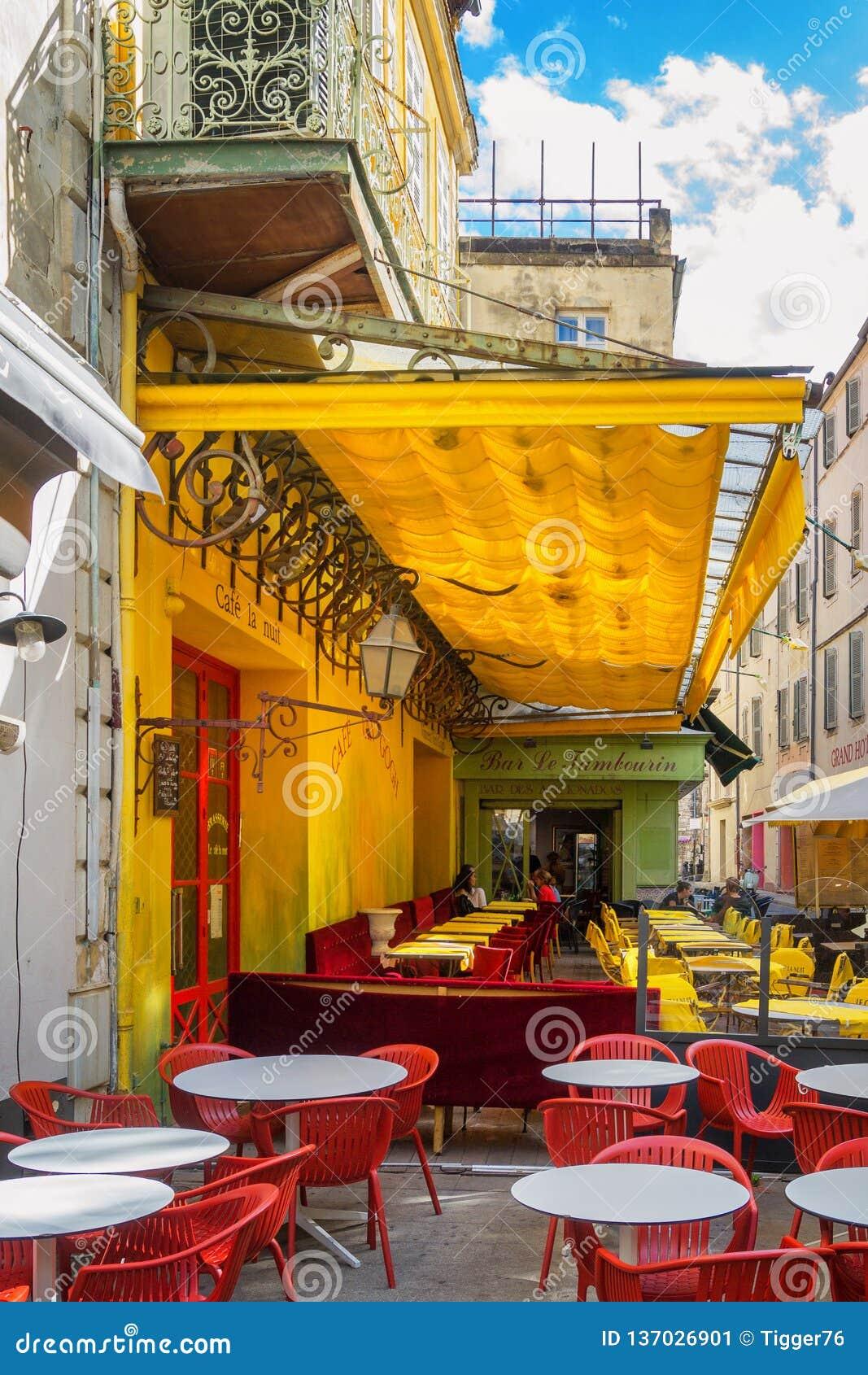 Café Van Gogh bei Place du Forum in Arles