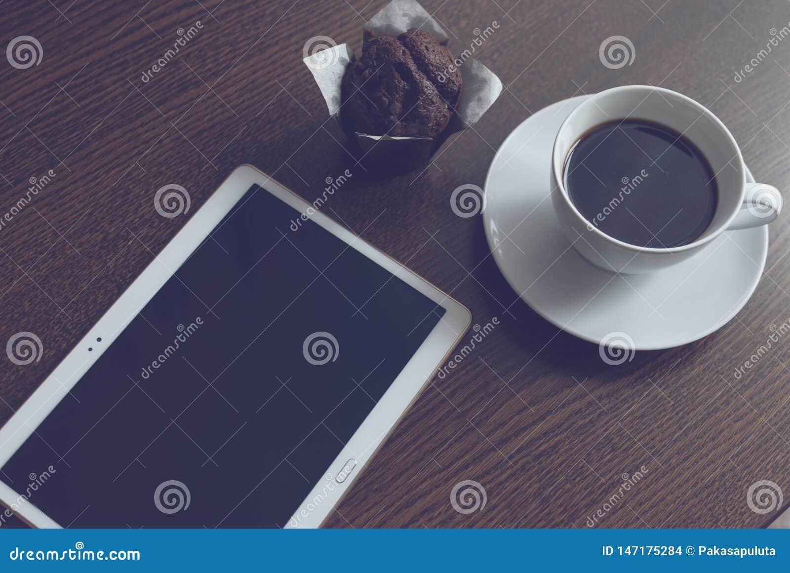 Café y mollete de la tableta
