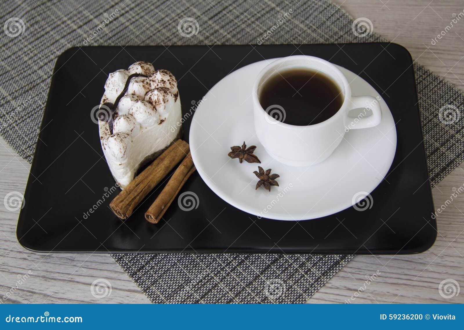 Download Café y tiramisu calientes foto de archivo. Imagen de dieta - 59236200