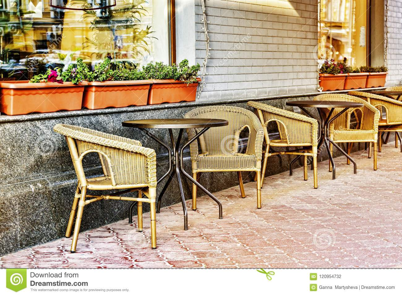 Cafe Restaurant City Europe Outdoor Food Bistro Urban Travel Table Dinner Stock Photo Image Of Culture Food 120954732