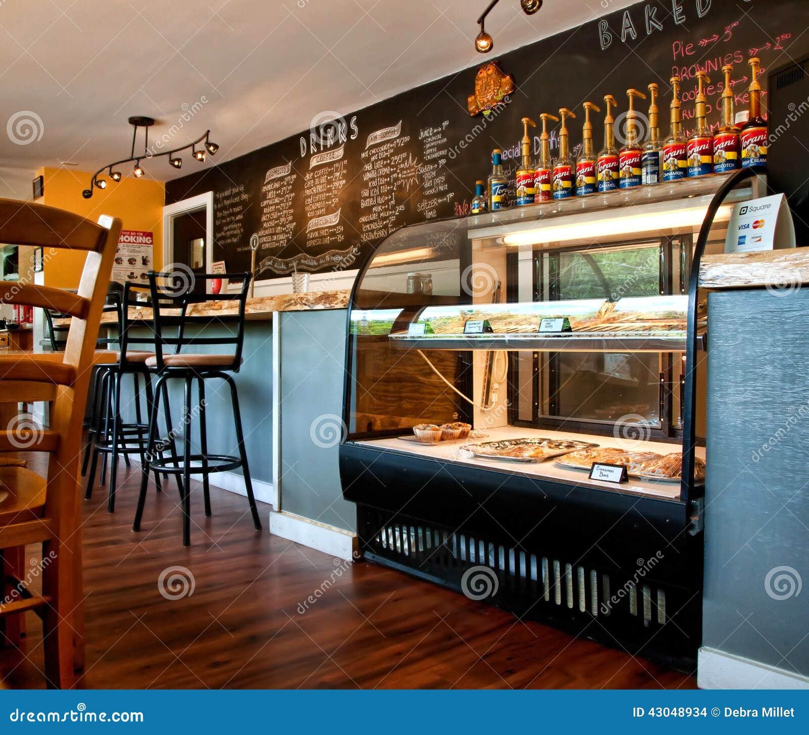Cafeter A De La Peque A Ciudad Imagen De Archivo Editorial