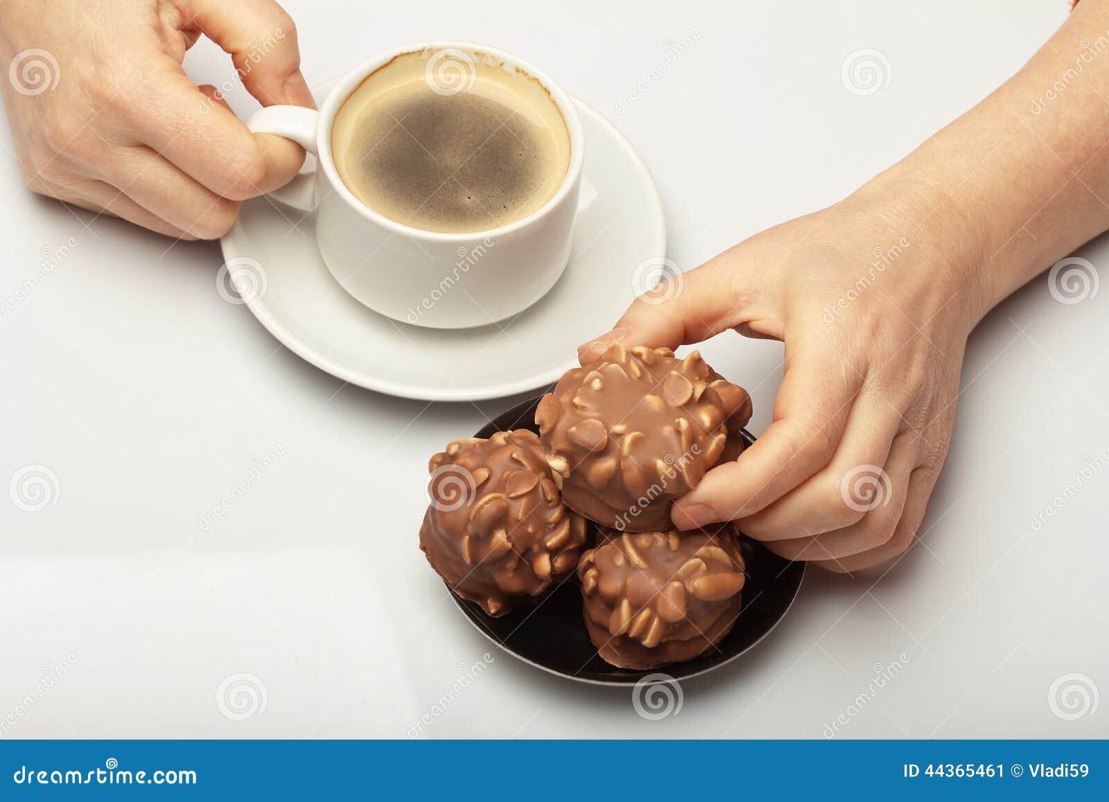 Caffè con i biscotti del cioccolato