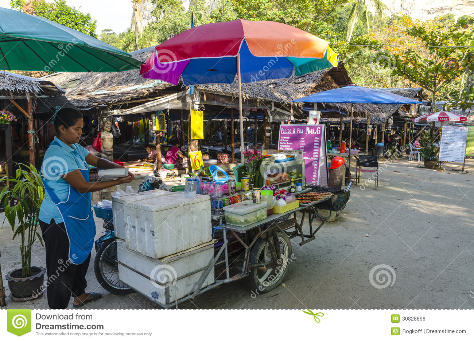 Caffè della viuzza nello stile tailandese.