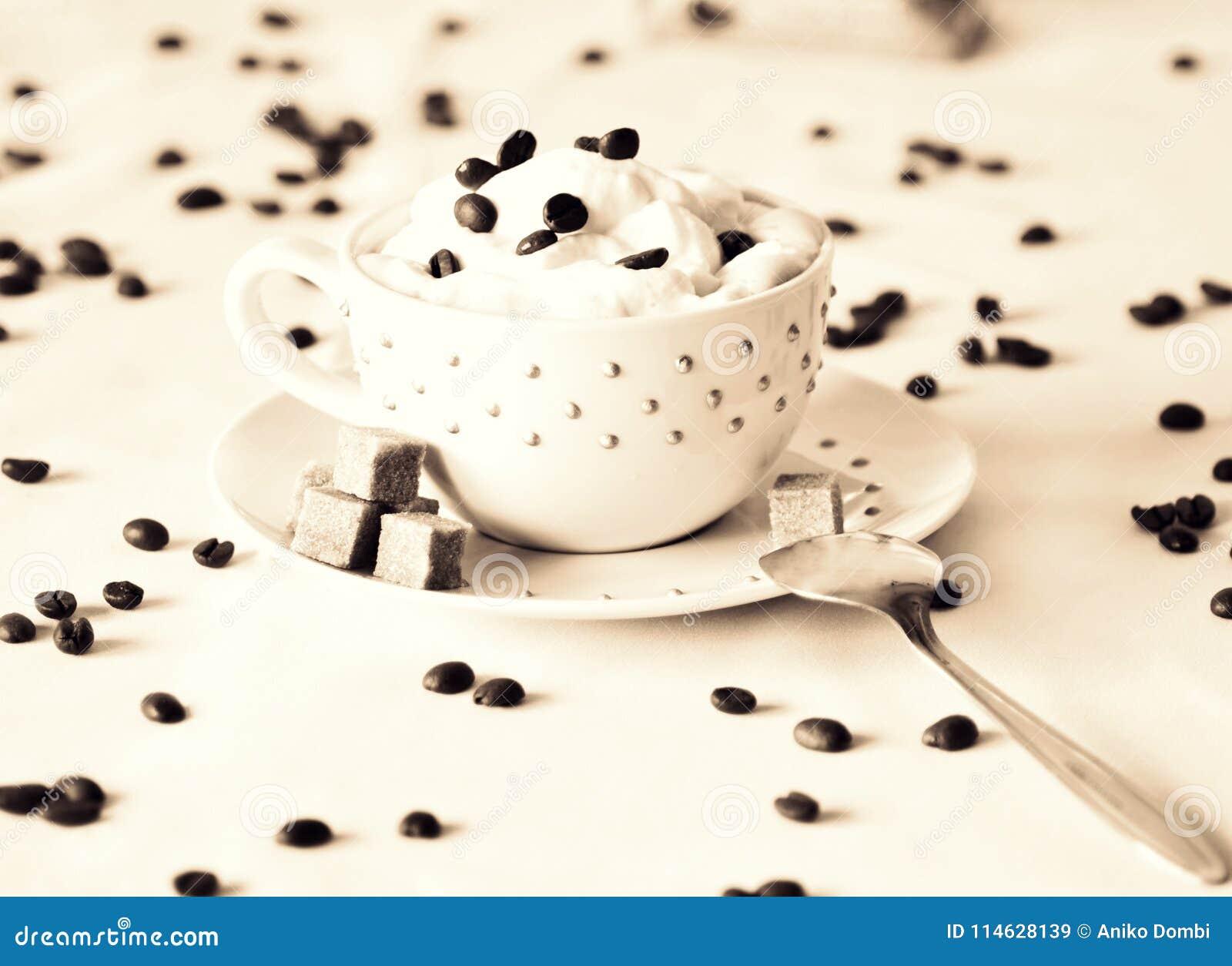 Caffè di mattina nella tazza