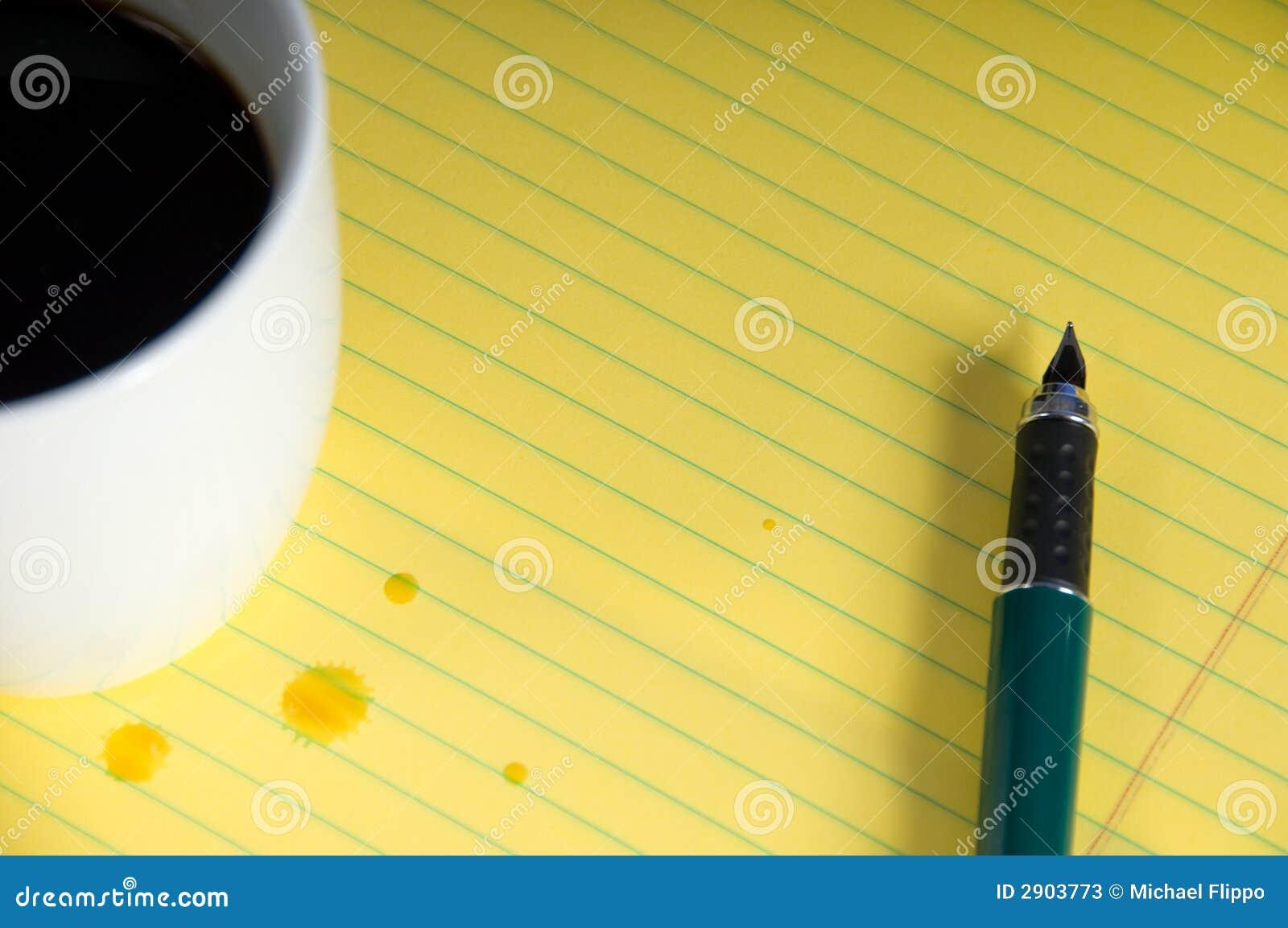 Caffè e blocchetto per appunti