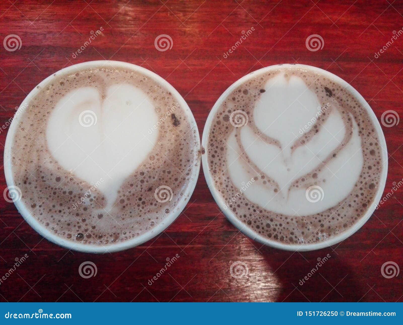 Caffè e cioccolata calda di mattina