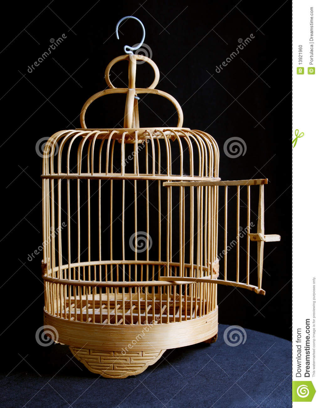 cage d 39 oiseau photo stock image 13921960. Black Bedroom Furniture Sets. Home Design Ideas