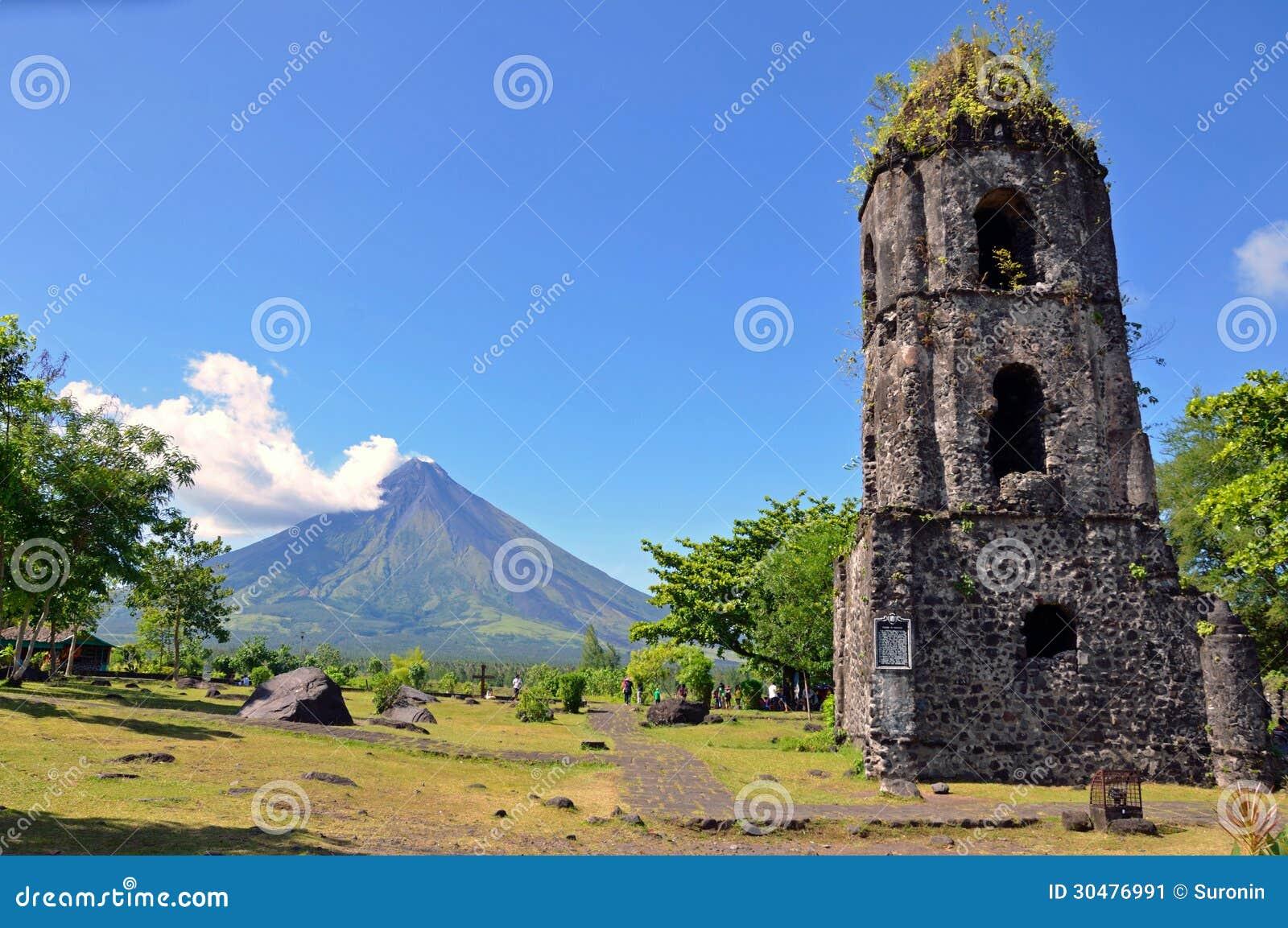 Cagsawa-Kirchen-Ruinen