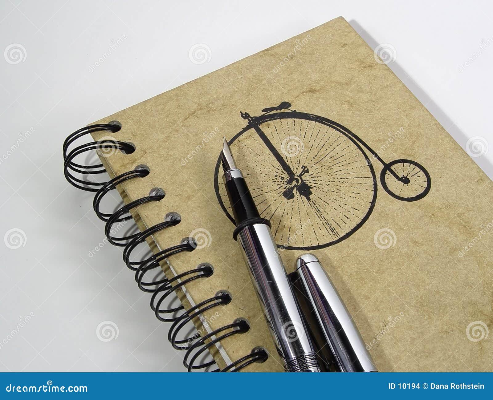 Cahier et crayon lecteur