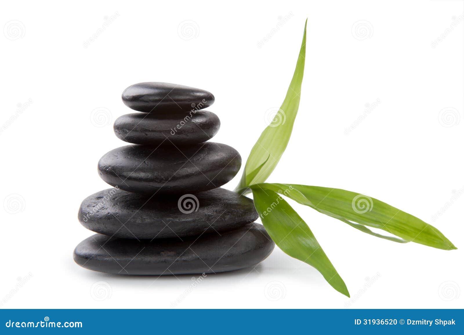 Cailloux de zen. Concept en pierre de soin de station thermale.