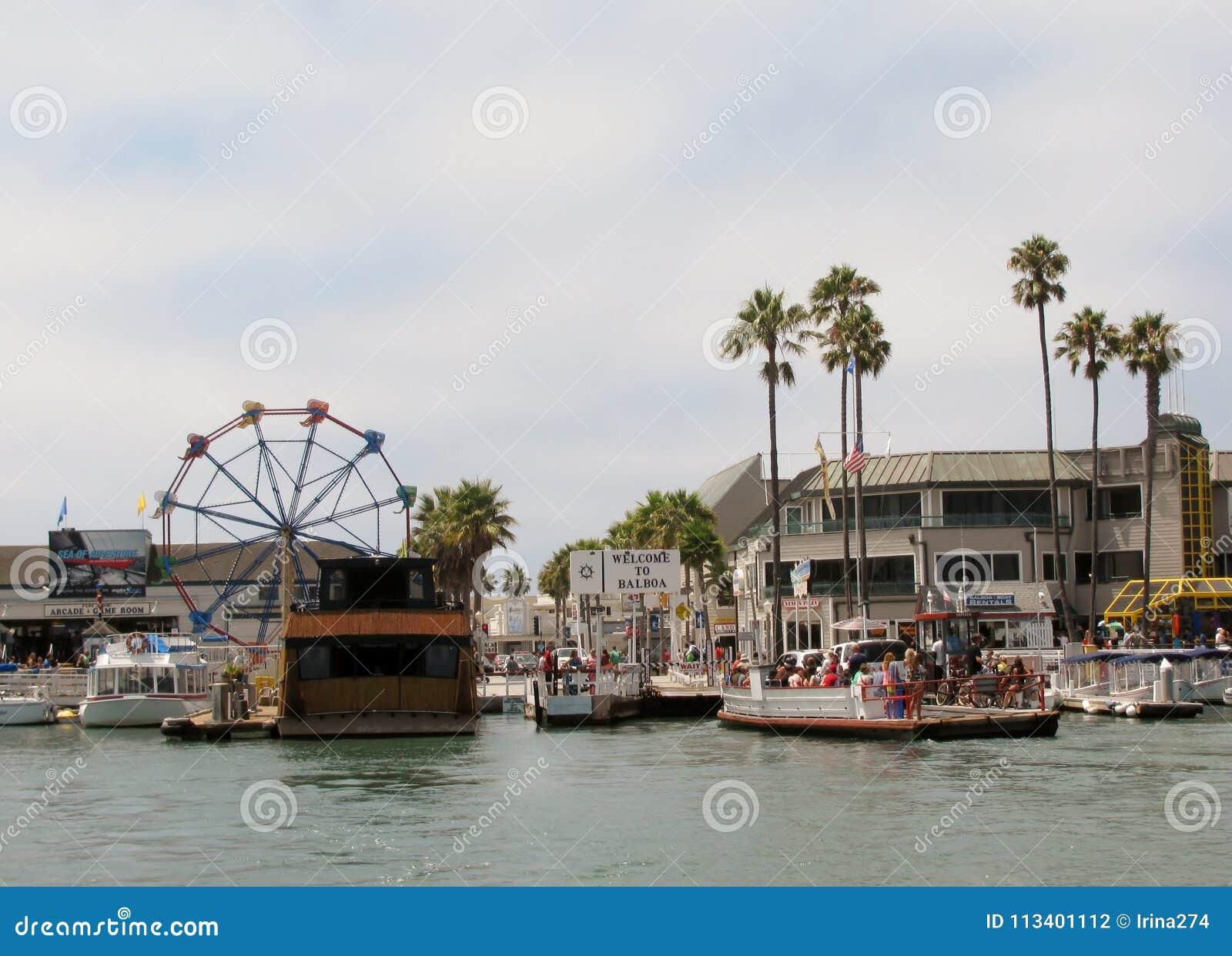 Cais do balboa de Newport Beach's, Califórnia, EUA