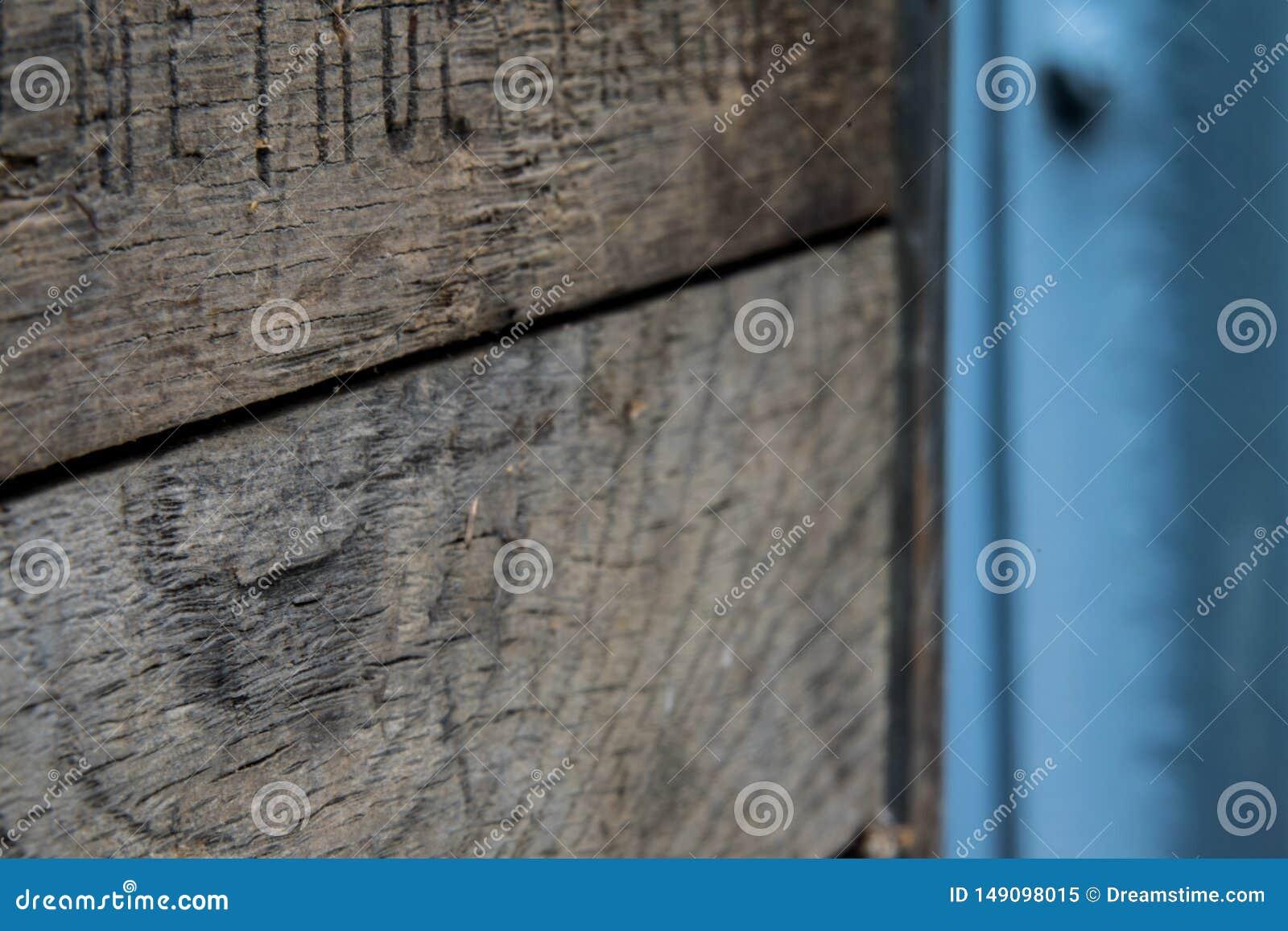 Caixa de madeira r?stica com metal