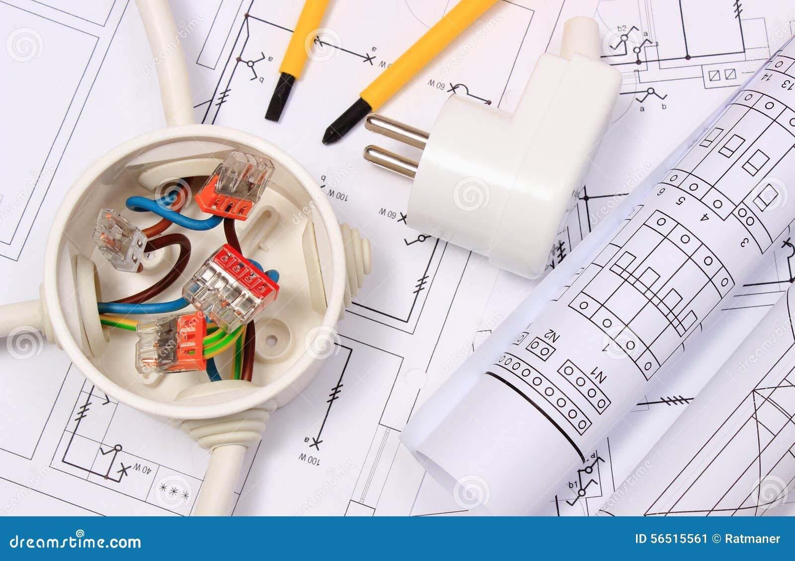 Caixa elétrica, diagramas e tomada elétrica no desenho de construção