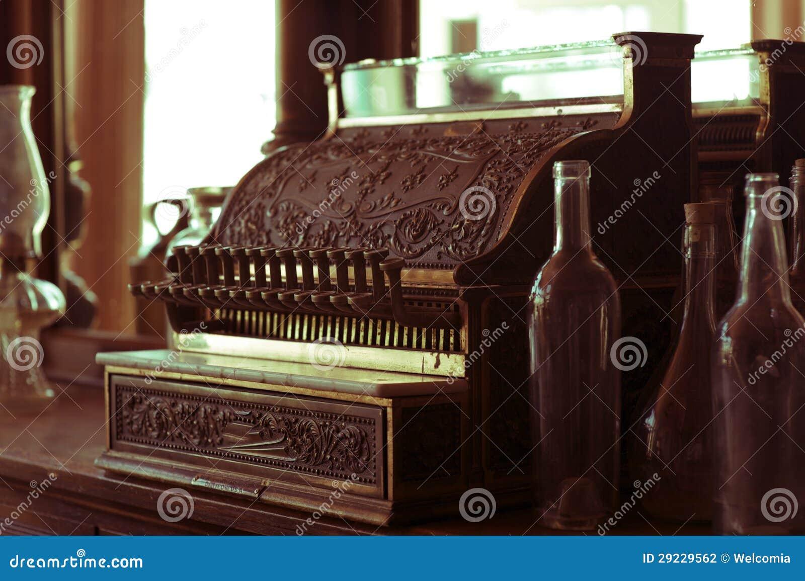 Download Caixa Registadora Do Vintage Foto de Stock - Imagem de horizontal, metal: 29229562