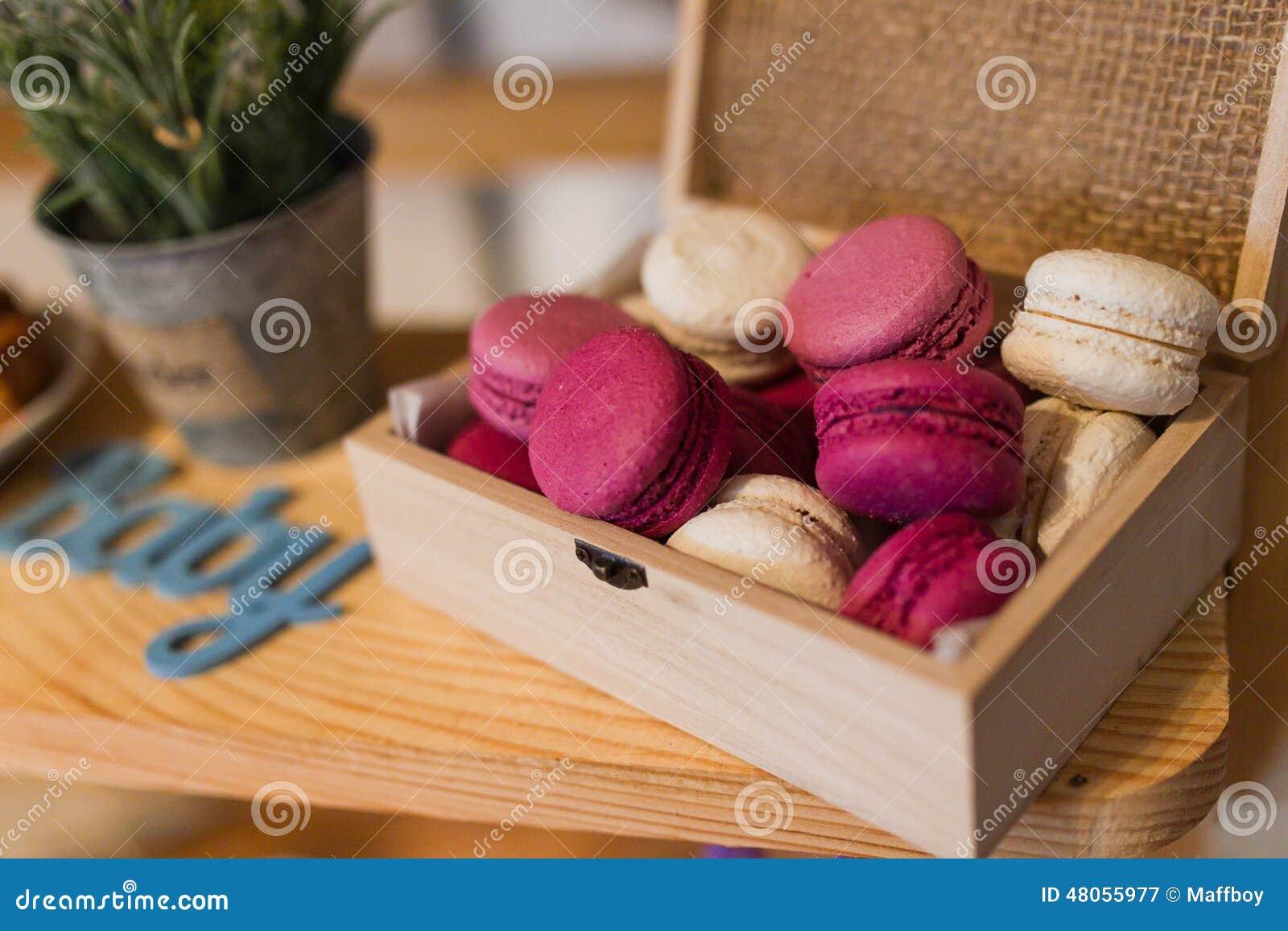 Caja con los macarrones